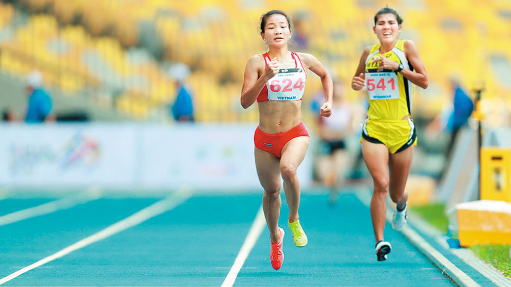 Athlete Nguyen Thi Oanh continues to harvest medals