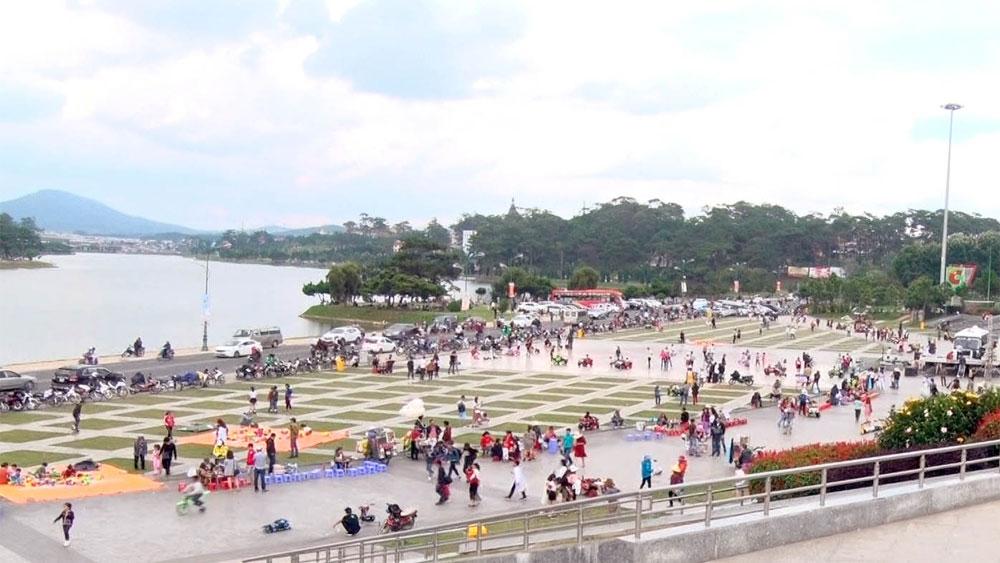 Phố núi Đà Lạt hấp dẫn du khách dịp nghỉ lễ