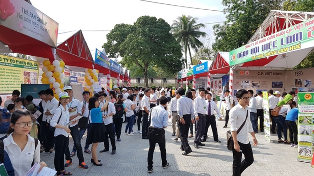 Over 14,500 new enterprises established in Vietnam in April