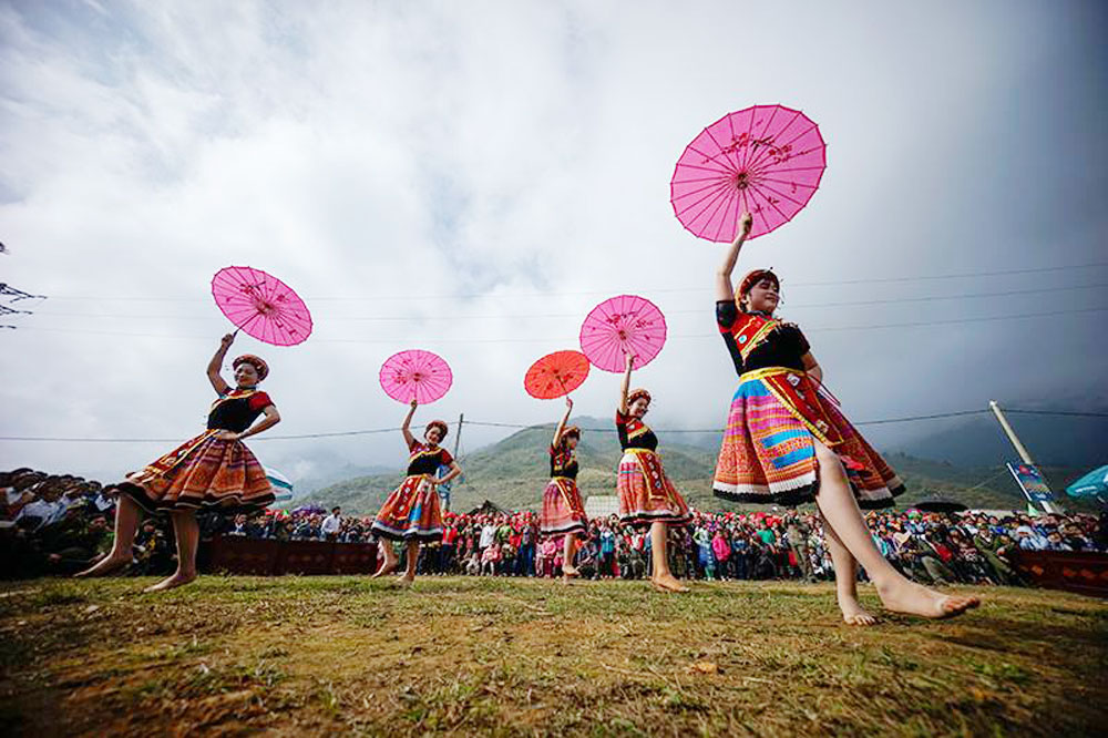 Sa Pa, Summer Tourism Festival, annual event, resort town, festival features, photo exhibition, flower festival, retracing wedding, cultural and tourism festival