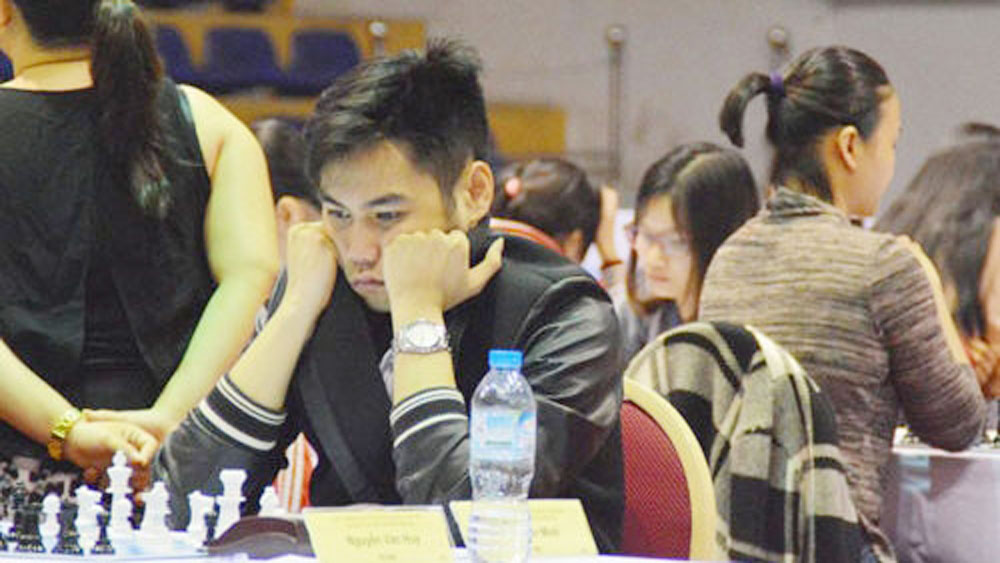 Tran Tuan Minh claims national standard chess title for second time in a row