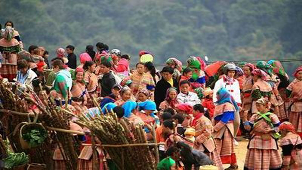 Lao Cai, Cultural Tourism Week,  agricultural products, cultural and tourism events, tourism products, culinary culture, traditional culture, poverty reduction