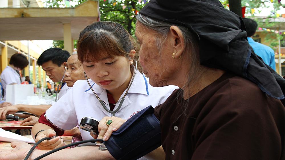 """""""Ngày hội thầy thuốc trẻ, tình nguyện vì sức khoẻ cộng đồng"""""""