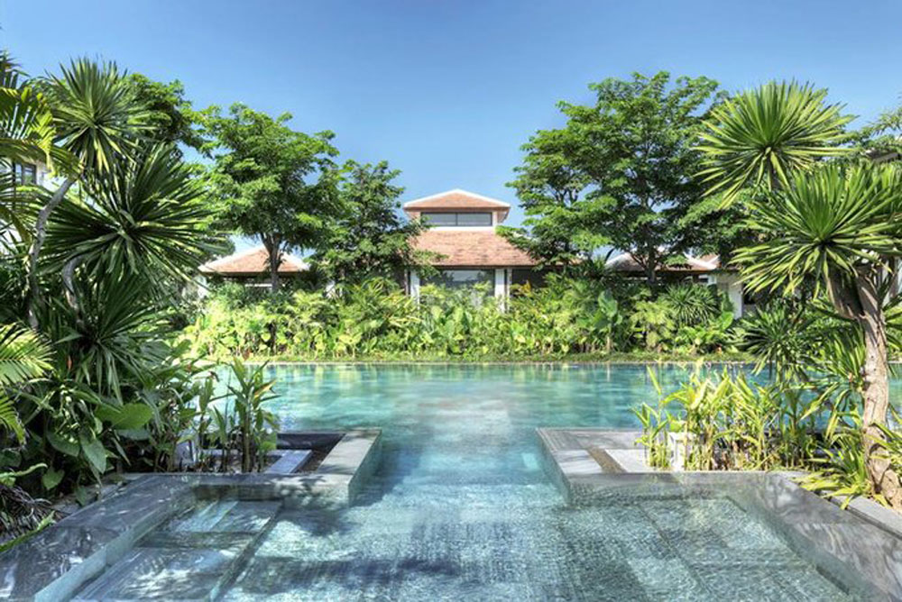 Vietnamese resort pools, world's most stunning, Four Seasons, Fusion Maia, Tent Spa, I-Resort, ideal hideaway spot, relaxing purposes