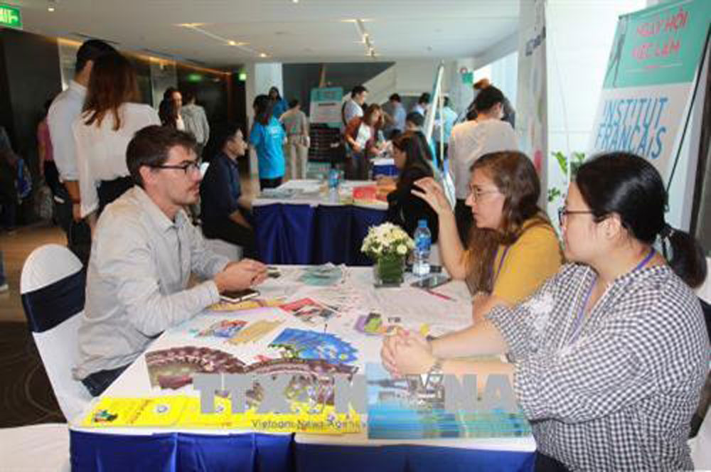 France - Vietnam, Job Festival 2018,  employment opportunities, practical activity, 45th anniversary, diplomatic ties, strategic partnership, Vietnamese youngsters