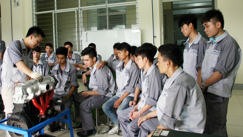 Trường Cao đẳng nghề Công nghệ Việt - Hàn được công nhận là trường hạng I