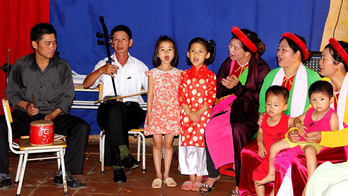 Về Thanh Trà nghe hát chèo