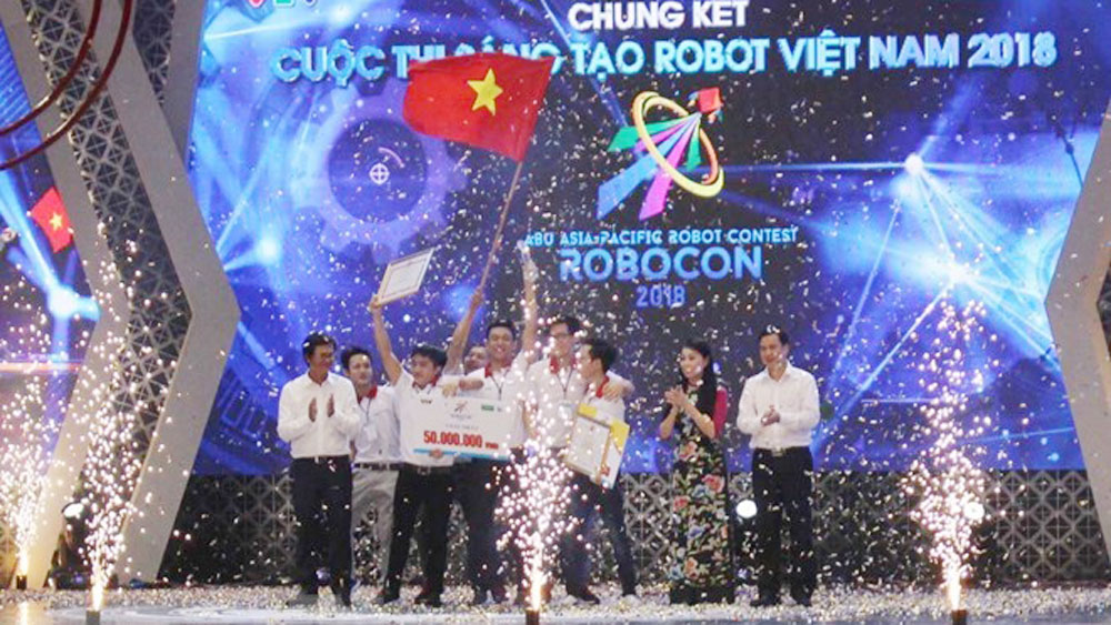 Lac Hong team, Robocon Vietnam 2018, Lac Hong University, winning team, Throwing con, popular folk game, nem con
