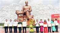 Thành ủy Bắc Giang báo công dâng Bác tại Khu lưu niệm 6 điều Bác Hồ dạy Công an nhân dân