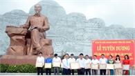 Đảng ủy Khối Doanh nghiệp tỉnh tuyên dương 30 điển hình học tập và làm theo Bác