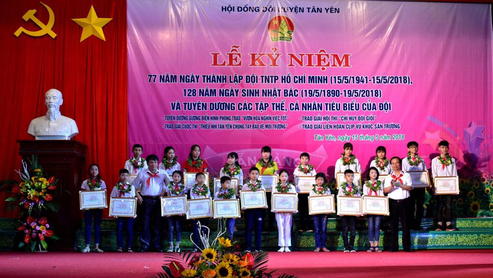 Hội đồng Đội huyện Tân Yên khen thưởng 109 tập thể, cá nhân