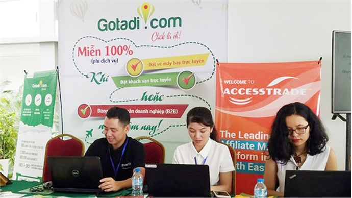 Vietnam' online tourism seeks to compete with foreign rivals