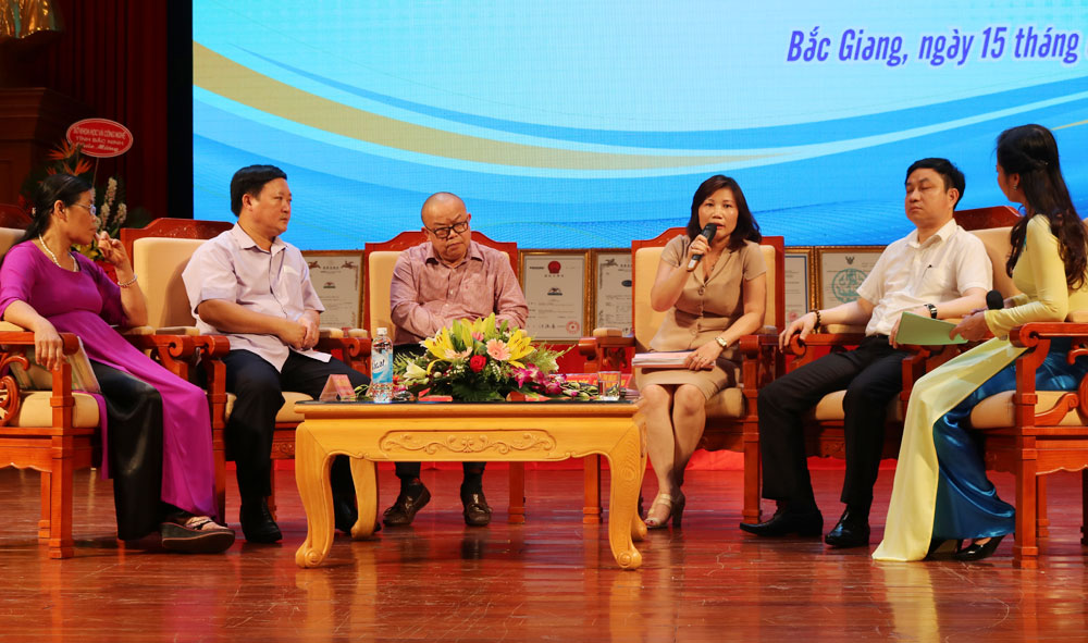 Bac Giang province, farm products, brand protection, domestic and foreign certificates, trademark establishment, typical agricultural products, value chain,  close linkage, science and technology