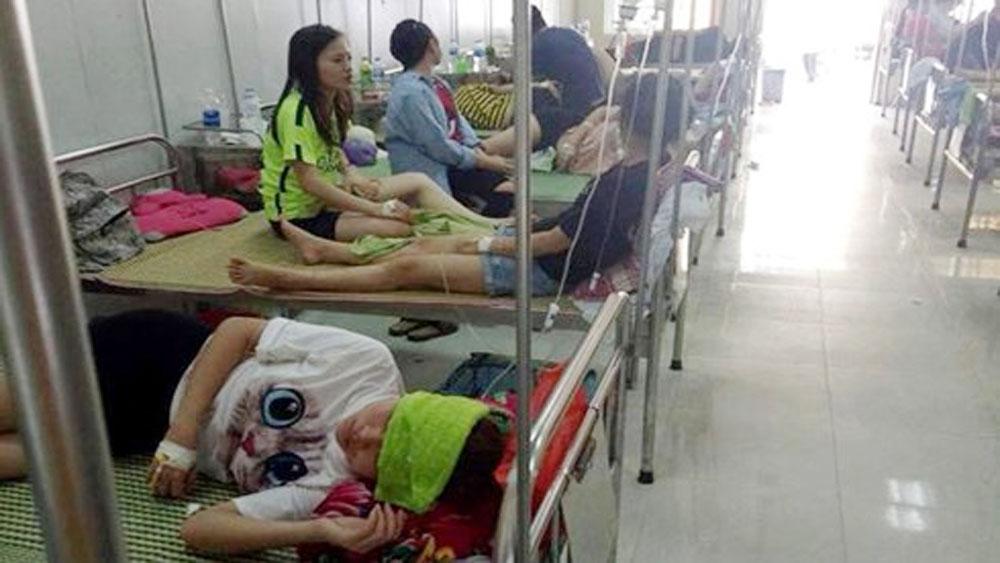 Hơn 70 sinh viên Đại học Sư phạm Hà Nội II ngộ độc sau liên hoan chia tay
