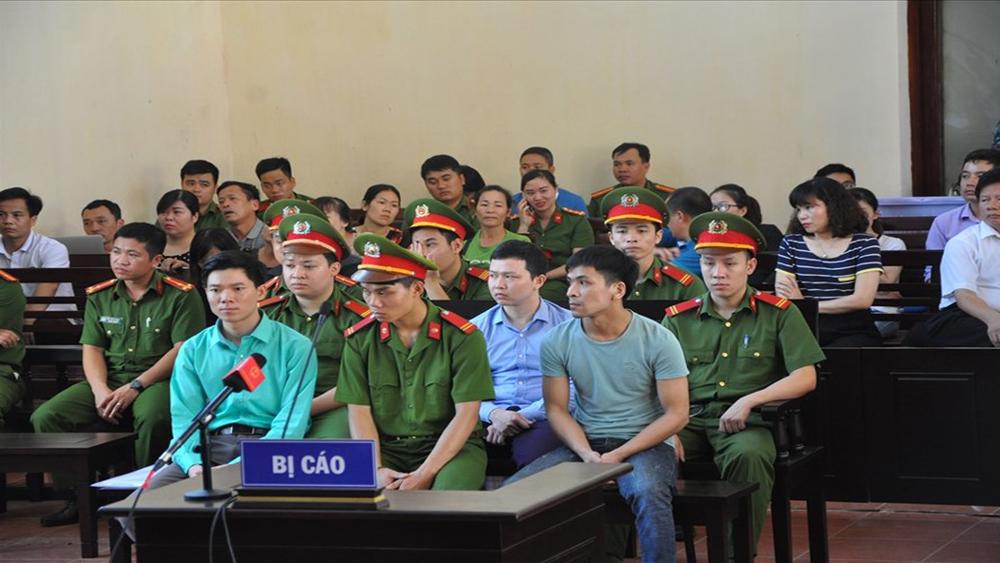 Xét xử sơ thẩm tai biến chạy thận tại Hoà Bình: Công ty Thiên Sơn đổ lỗi Bệnh viện để xảy ra sự cố