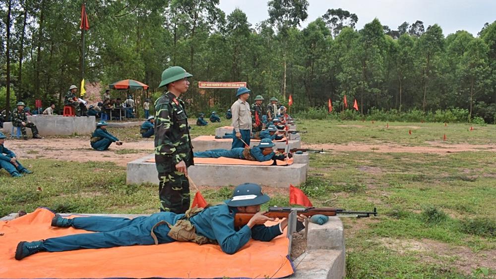 Gần 1,4 nghìn dân quân tự vệ và học sinh tham gia huấn luyện bắn đạn thật