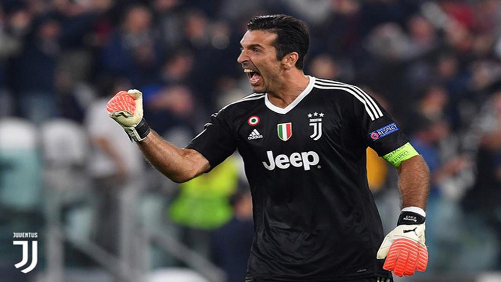 Buffon chính thức chia tay Juventus và xin lỗi trọng tài Oliver