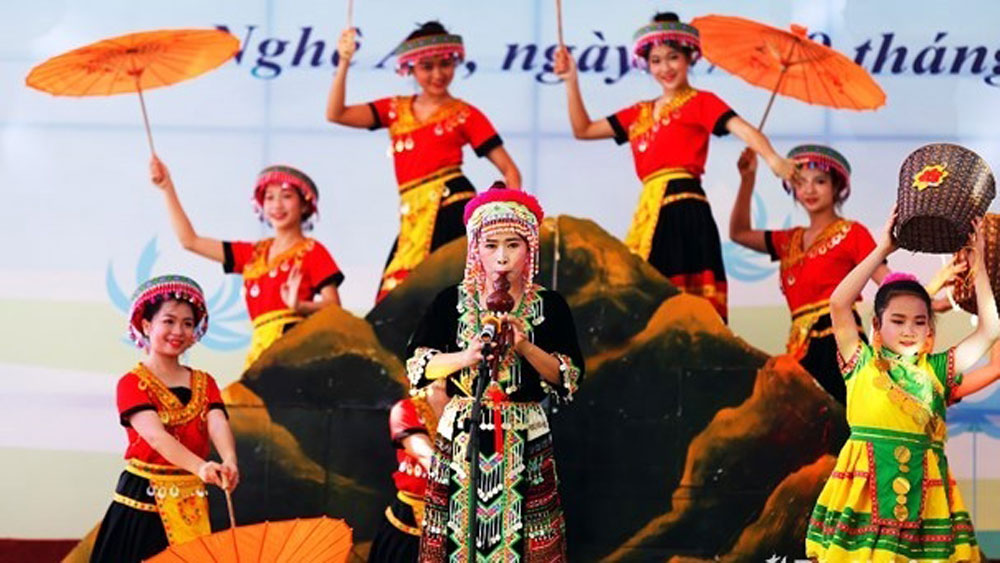 Sen village singing contest opened in Nghe An