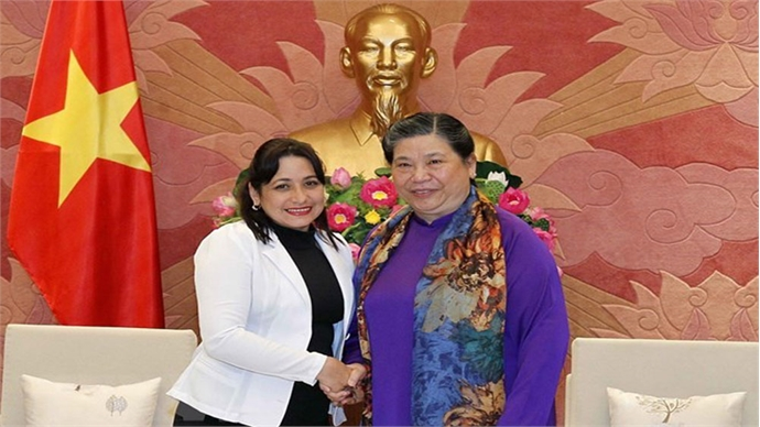 Cuba learns about Vietnam's youth education