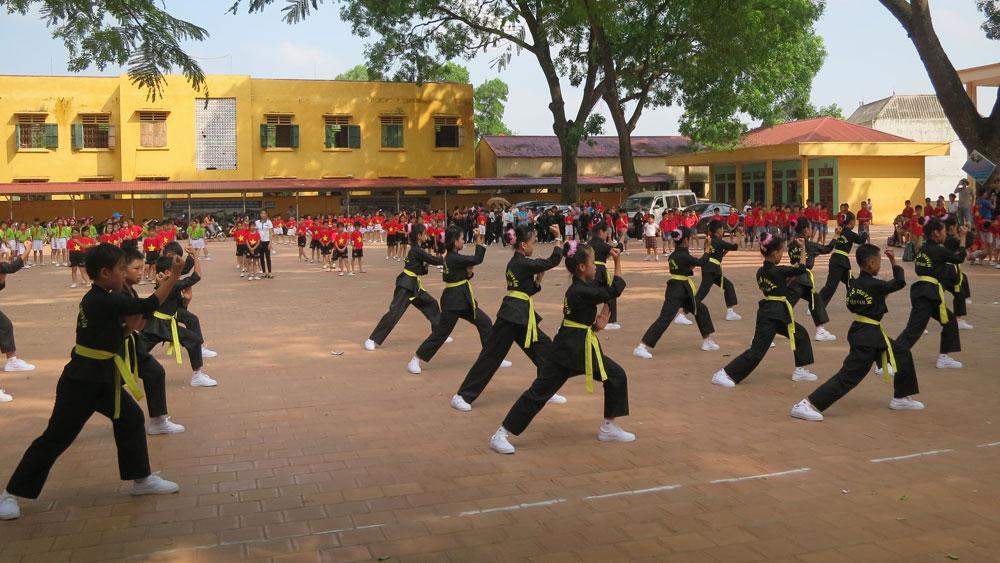 Lạng Giang tổ chức điểm cuộc thi đồng diễn thể dục, võ cổ truyền