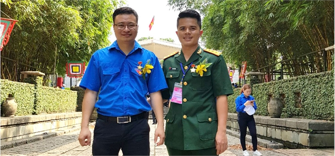 "Bac Giang's youths awarded badge of ""Advanced youth follows uncle Ho's teaching"""