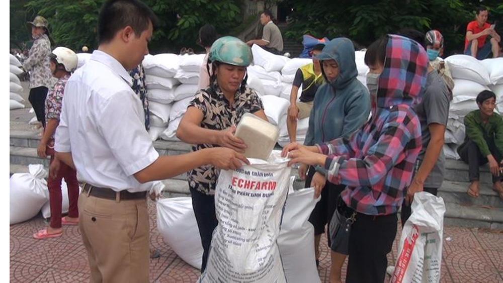 150 hộ nghèo, hộ chính sách được cấp gạo