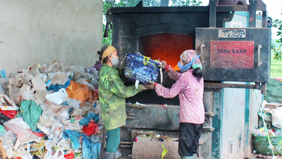 Thu tiền dịch vụ rác thải: Chậm vì thiếu phương án giá