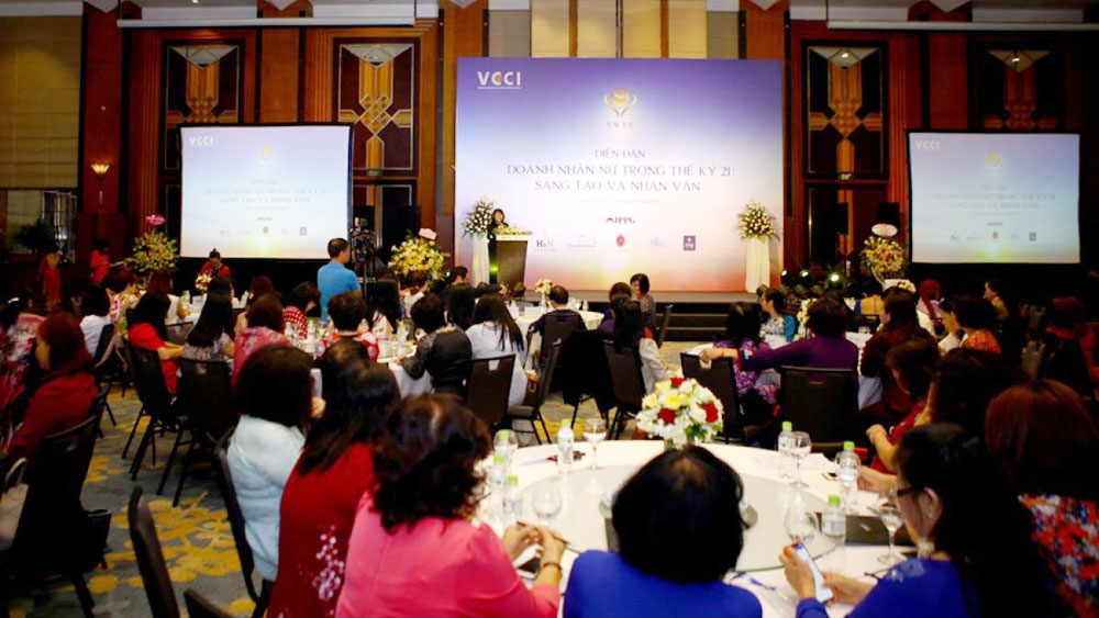 Forum on Women Entrepreneurs in the 21st Century held in Hanoi