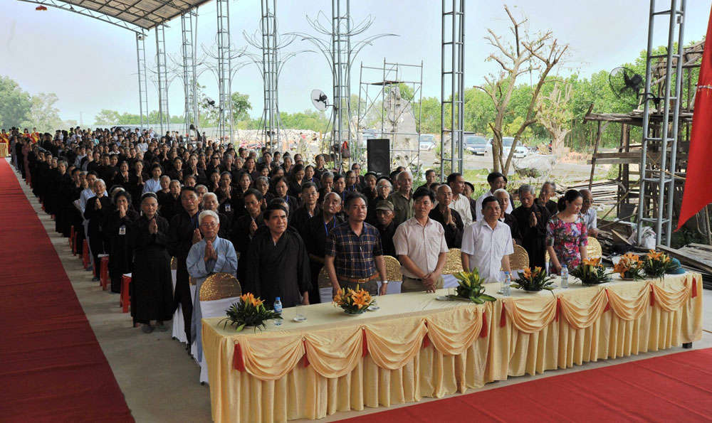 Việt Yên, lễ Phật đản