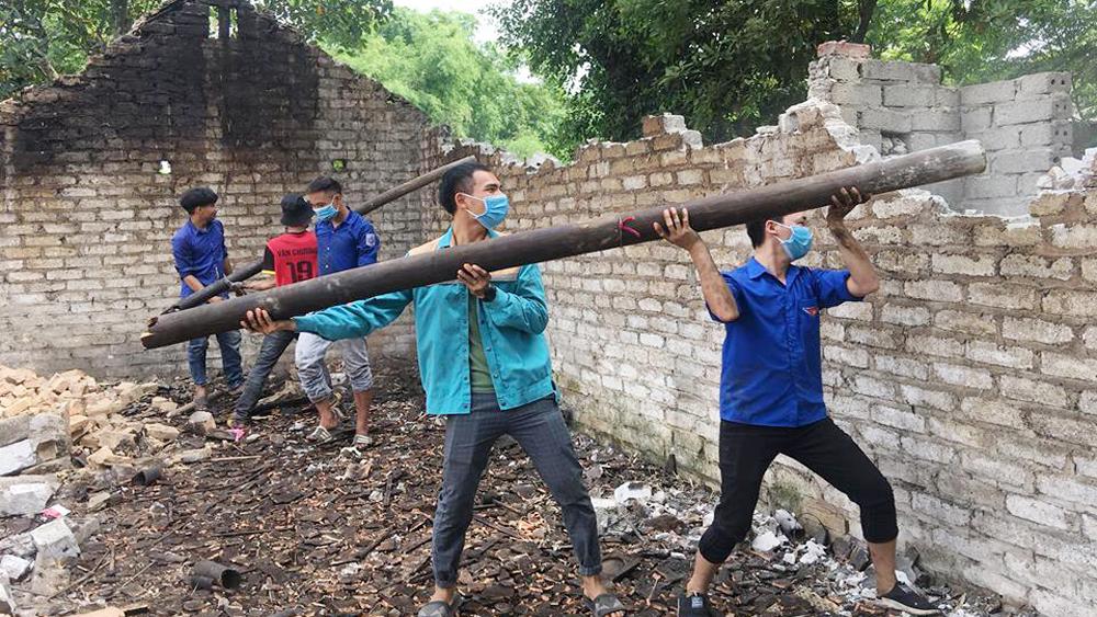 Chiến dịch thanh niên tình nguyện hè: Nhiều hoạt động hỗ trợ người nghèo