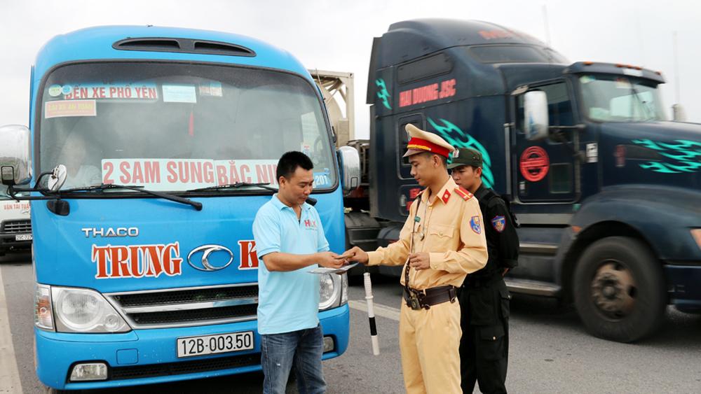Đón, trả khách trên cao tốc Hà Nội- Bắc Giang: Cấm, vẫn nhiều vi phạm