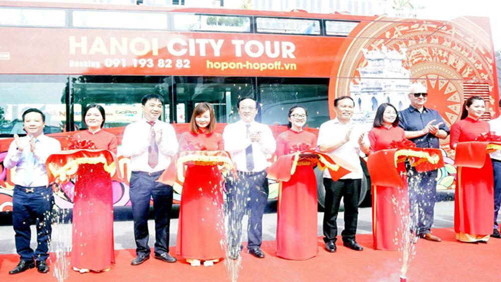Khai trương tuyến xe buýt hai tầng Hanoi City Tour