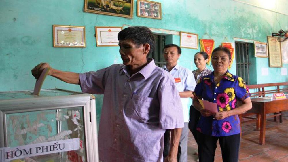 Lạng Giang đã bầu 251/284 trưởng thôn, khu phố