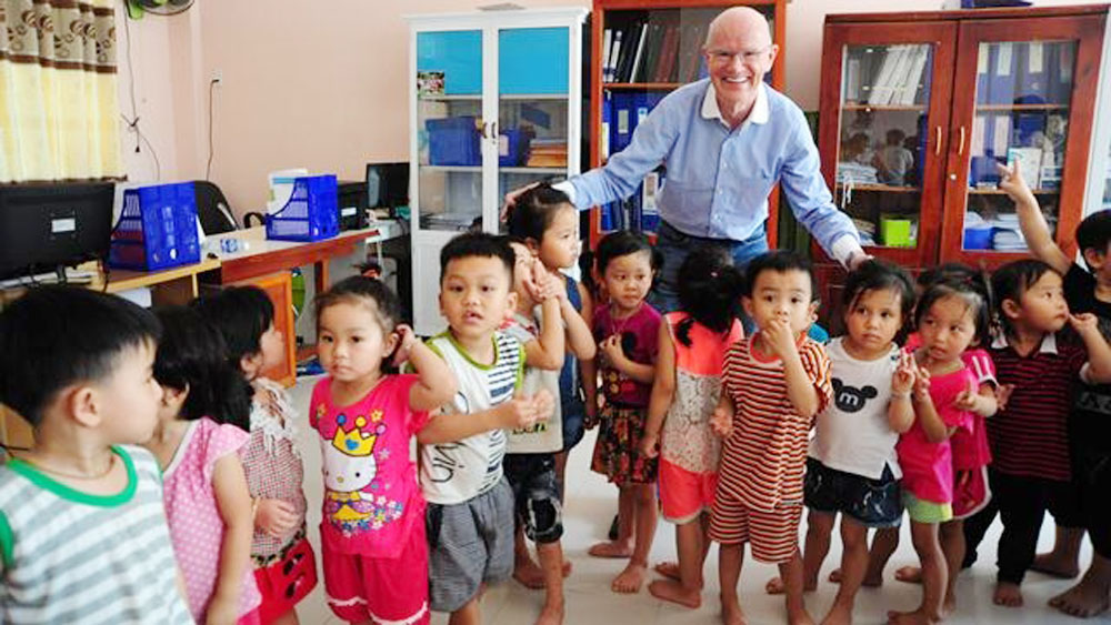 German doctor's heart-to-heart journey brings new hope to Vietnamese children with heart diseases