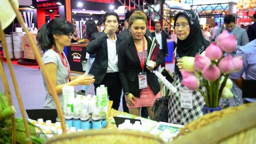 Vietnamese firms advertise products at Thaifex 2018