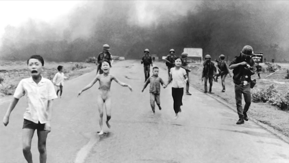 Pulitzer winning photographer, photos, Vietnam's museum, Nick Ut, Huynh Cong Ut, Pulitzer Prize, Napalm Girl, war victim