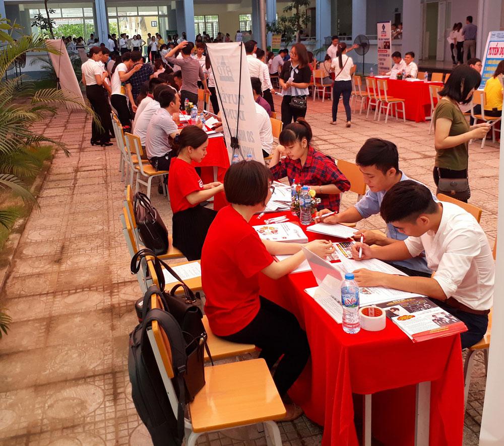 Trường Đại học Nông - Lâm Bắc Giang, tỉnh Bắc Giang, ngày hội việc làm, sinh viên, doanh nghiệp, tuyển dụng