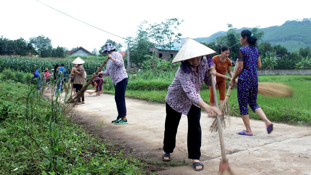 Sơn Động ra quân vệ sinh môi trường nông thôn