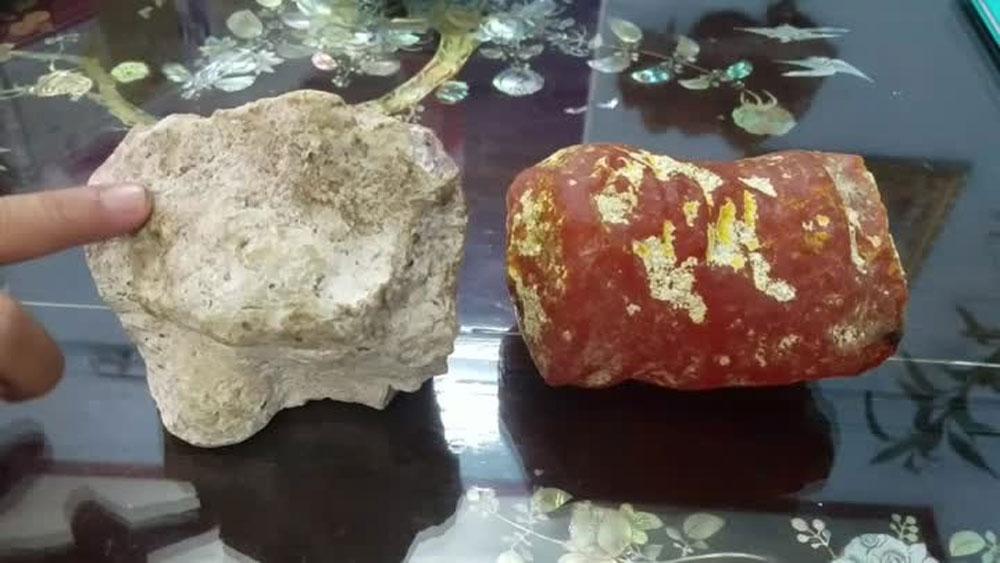 Hai viên đá thơm như nước hoa
