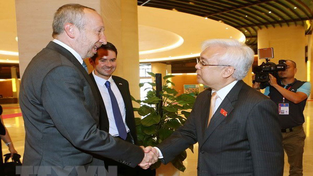 Vietnam, Czech Republic bolster education cooperation