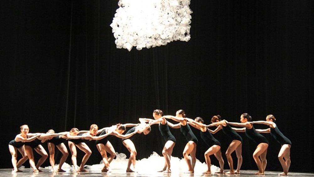 Vietnamese artist, Japanese artists, Summer Symphony, Hanoi, classical music, show's curtains, Hanoi Opera House
