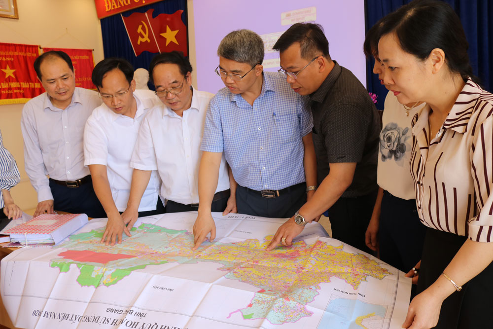 Bac Giang province, ajustment plan, land usage plan, usage scheme, total area, correct measuring method,  non-agricultural land, using demand, national defense, social security, national and public benefits, food security