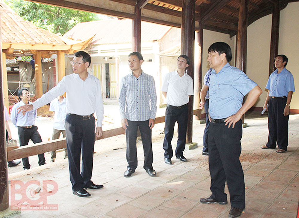 Provincial leader, Bac Giang province, Suoi Mo tourist area, infrastructure construction, eco-tourism area, project management board, drainage system, project progress,  site clearance, relic site, site clearance work