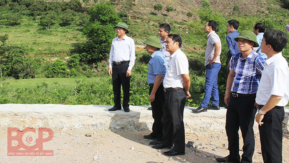 Provincial leader inspects Suoi Mo tourist area infrastructure construction