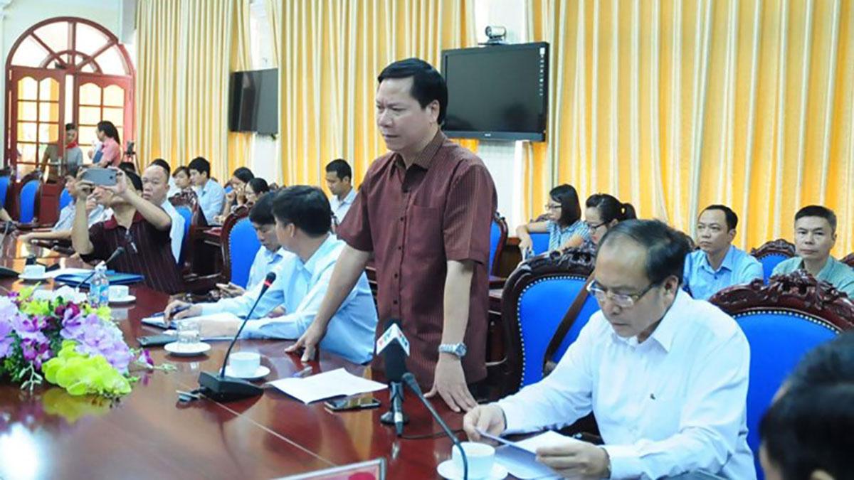 Cựu Giám đốc Bệnh viện Đa khoa  tỉnh Hòa Bình Trương Quý Dương trở về từ Canada