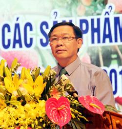 Phó Thủ tướng Chính phủ Vương Đình Huệ phát biểu tại hội nghị.