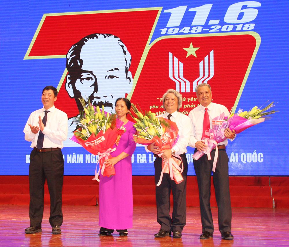 Bài ca yêu nước, Bác Hồ, Lời kêu gọi thi đua ái quốc, chống giặc ngoại xâm, tư tưởng Hồ Chí Minh