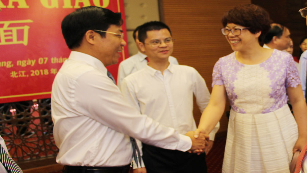 Chinese delegates attend Bac Giang's Economic Forum on lychee production and consumption