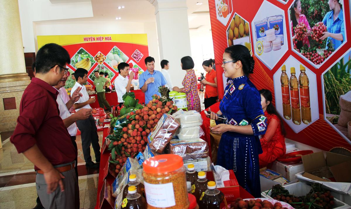 Diễn đàn kinh tế, sản xuất, tiêu thụ vải thiều, nông sản chủ lực, tỉnh Bắc Giang