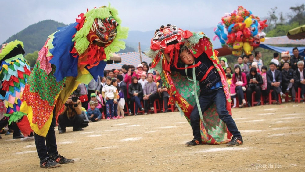 Mask dance, intangible cultural heritage, Lang Son province, long-standing traditional practice, Tay and Nung ethnic groups, major festivals, younger generation